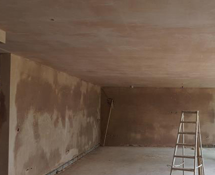 Plastering completed on a new extension in Croydon